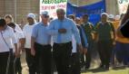 Hier vergesel burgemeesters Tijmen van Essen (Swartland) en Harold Cleophas (Weskus Distriksmunisipaliteit) die spanne tydens die openingsseremonie.